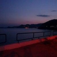 Photo taken at Παραλία Γυάλα by Petros Z. on 8/30/2013