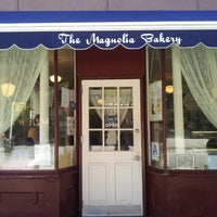 Photo taken at Magnolia Bakery by Jason J. on 8/14/2013