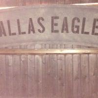รูปภาพถ่ายที่ Dallas Eagle โดย Nathan M. เมื่อ 6/12/2014