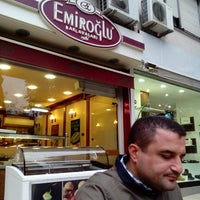 Photo taken at Emiroğlu Baklava by Yusuf E. on 10/11/2014