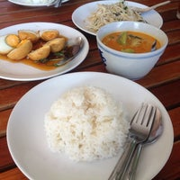 Photo taken at บ้านขนมไทย (ชาววัง) by Omenasa C. on 6/10/2014