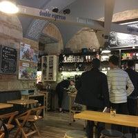 Foto scattata a 9Bar Coffee da Elena D. il 4/17/2018