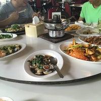 Photo taken at Ruangrit Seafood by Sherlock Y. on 7/4/2017