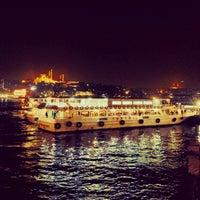 Photo taken at Istanbul Eminonu Balik Ekmek by Sidar G. on 1/15/2014