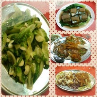 Photo taken at 沙登小厨美食馆 by Leoson L. on 10/20/2013