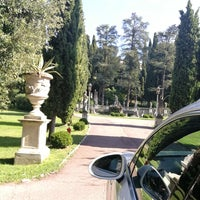 Photo taken at Villa Cortine Palace Hotel by Mohammed . on 9/13/2017
