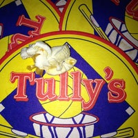 Photo taken at Tully's Good Times by Xander H. on 12/6/2012