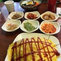 Foto tirada no(a) Yummy Korean Restaurant por Laura S. em 5/11/2016