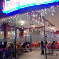 Photo taken at Jenos Pizza Sincelejo by Carmen M. on 12/29/2013