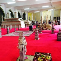 Photo taken at Kubah Makam Diraja Brunei by Azran Malda A. on 10/21/2016