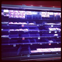 Photo taken at Maxi Simply by Adriano C. on 9/2/2013