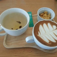 Photo taken at Winnie Coffee by Sodi M. on 10/14/2015