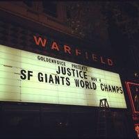 Foto scattata a The Warfield Theatre da Zac W. il 10/29/2012