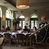 Foto diambil di Isabella's oleh Tony N. pada 10/17/2012