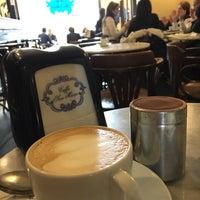 Foto tomada en Caffe San Marco por Nathan el 12/17/2016