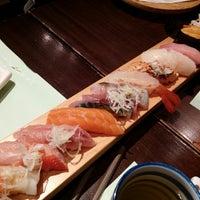Foto tirada no(a) Sushi Ketsu 榤日本料理 por Shirley C. em 6/25/2014
