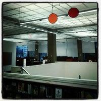 รูปภาพถ่ายที่ MIT Dewey Library (E53-100) โดย Ian เมื่อ 11/7/2012