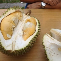 Photo taken at Durian lingers by Taufik R. on 10/7/2012