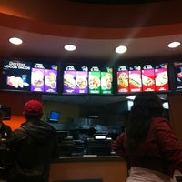 Photo taken at Taco Bell by Leonardo S. on 2/25/2013