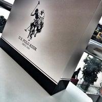 Foto tirada no(a) U.S. Polo Assn. por Ç A Ğ L A Ö. em 9/18/2017