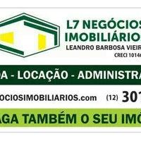 Photo taken at L7 Negócios Imobiliários by Danusa D. on 1/27/2014