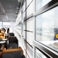 Foto tirada no(a) Lufthansa Business Lounge / Tower Lounge (Non Schengen) por Lufthansa em 7/24/2012