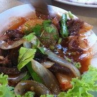Photo taken at Yabila Seafood by Rozita Z. on 11/18/2013