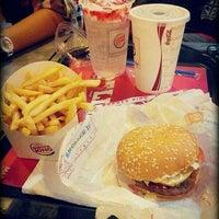 Photo taken at Burger King by Hena Naomi 나오미 on 6/1/2014
