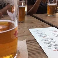 Foto tomada en Gebhard's Beer Culture por Dean C. el 7/16/2017