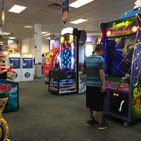 Photo taken at Chuck E. Cheese's by Sandra V. on 8/6/2016