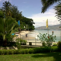 Photo taken at Beach View, Camayan Beach Resort by Nico V. on 6/23/2015