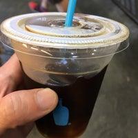 Foto tirada no(a) Blue Bottle Coffee por Jed S. em 9/25/2017