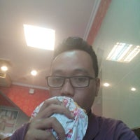 Photo taken at Dunkin' Donuts by Faisal A. on 4/28/2014