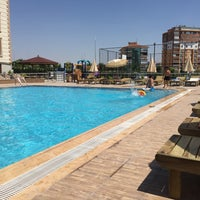Photo taken at Havuz Kenarı by Cabir Ç. on 7/17/2016