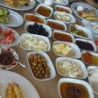 Foto diambil di Körfez Aşiyan Restaurant oleh Demet✌ pada 9/25/2015