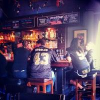 Foto tirada no(a) Black Magic Voodoo Lounge por Cameron M. em 11/25/2012