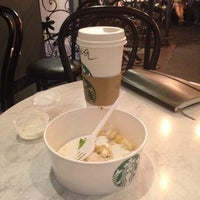 Снимок сделан в Starbucks пользователем Dmitrii S. 8/18/2014