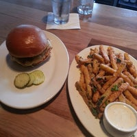 Photo taken at Zinburger Wine & Burger Bar by Marro M. on 9/23/2014