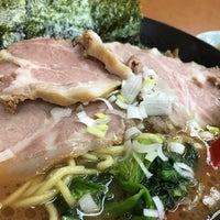 Photo taken at 横浜ラーメン武蔵家 幡ヶ谷店 by あきひろ h. on 10/21/2016