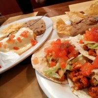 Foto tomada en Camino Real Mexican Grill por Al P. el 3/4/2015