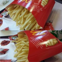 Photo taken at McDonald's by Yatco E. on 4/19/2014