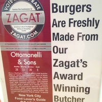 Das Foto wurde bei F. Ottomanelli Burgers and Belgian Fries von Frank C. am 1/21/2013 aufgenommen