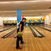 Photo taken at Planet Bowling Restaurant by Burak S. on 4/24/2015
