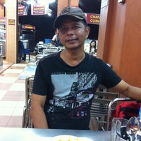 Photo taken at Restoran Mahbub by hanaffi A. on 4/19/2017