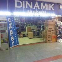 Photo taken at dinamik bilgisayar by Serkan G. on 9/4/2013