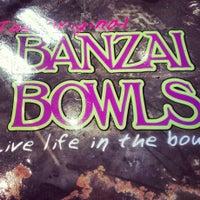 Das Foto wurde bei Banzai Bowls von Tully M. am 10/30/2013 aufgenommen
