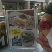 9/13/2015 tarihinde Merve G.ziyaretçi tarafından Karamel Cafe&Patisserie'de çekilen fotoğraf