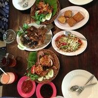Photo taken at Pandan Hijau Restoran by Tommy P. on 3/14/2013