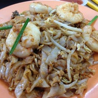 Photo taken at Lorong Selamat Char Koay Teow by Qishin T. on 2/24/2013