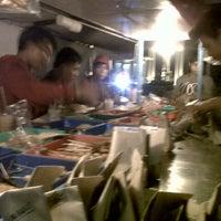 Photo taken at Nasi Kucing 'Pak Gik' by Indah S. on 11/9/2012